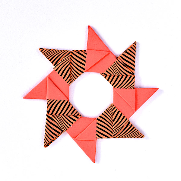 Christmas origami wreath card - Origami cards and sculptures for sale online at Origami Inside - helping prisoners