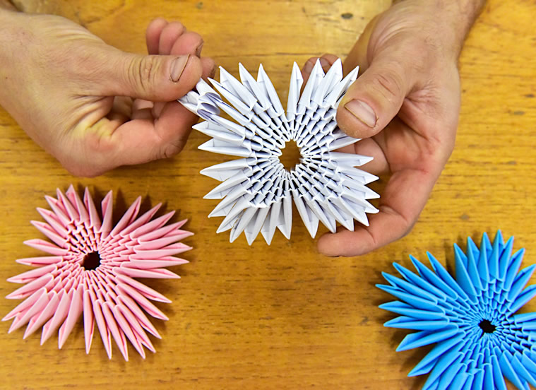 Origami cards and sculptures for sale online at Origami Inside - helping prisoners